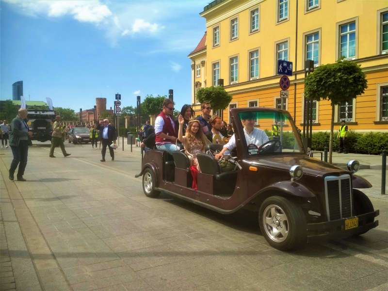 meleks retro parada studnetow juwenalia krol i krolowa zamek krolewski studenci