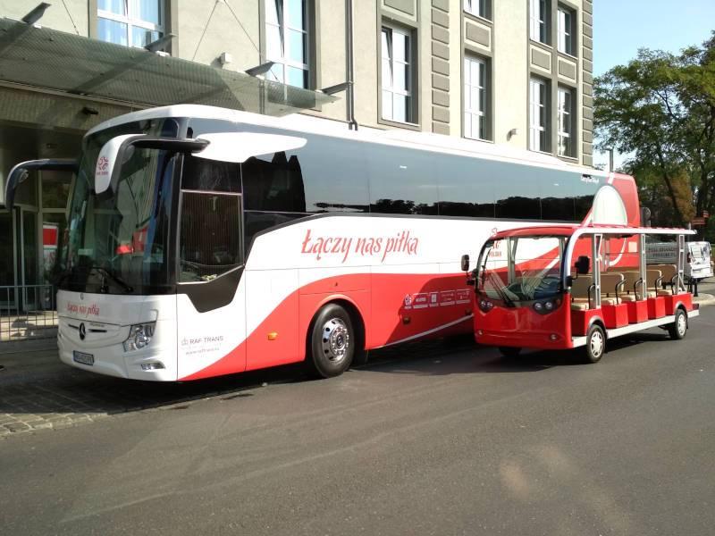 turystyczny autobus autobus reprezentacji polski hotel radisson meleks