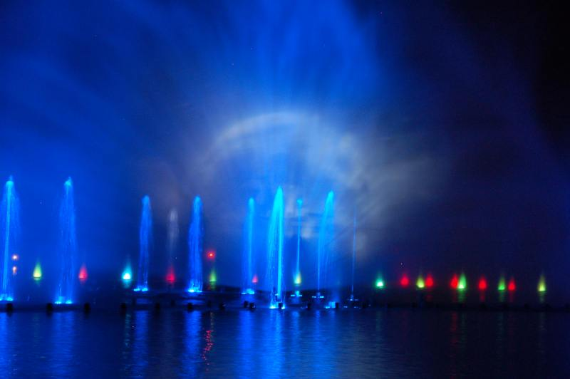 fontanna wroclaw pokaz specjalny fontanny fontanna ze swiatlami i dzwiekiem
